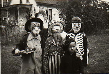Halloween vintage trick or treat