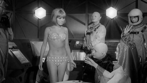 Frankenstein_Meets_The_Space_Monster_Bimbo