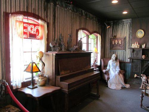 dr. morbid's haunted house