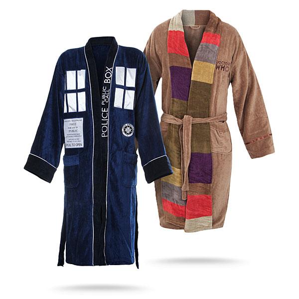 Doctor_who_bathrobes_both