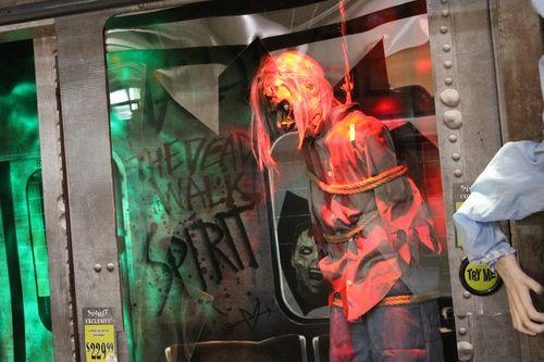 Spirit halloween 2015 hanging zombie