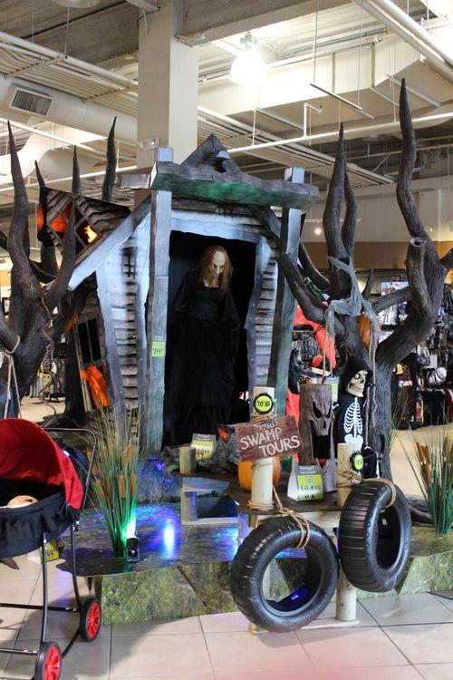 Spirit halloween 2015 store display 2
