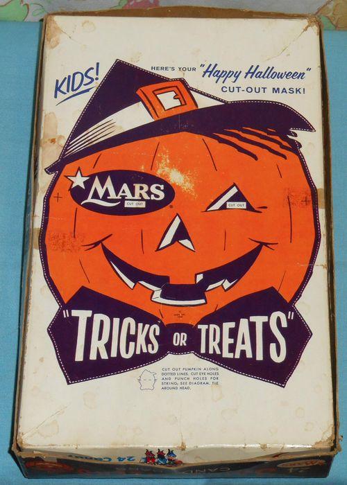 3 muskateers halloween candy box 3