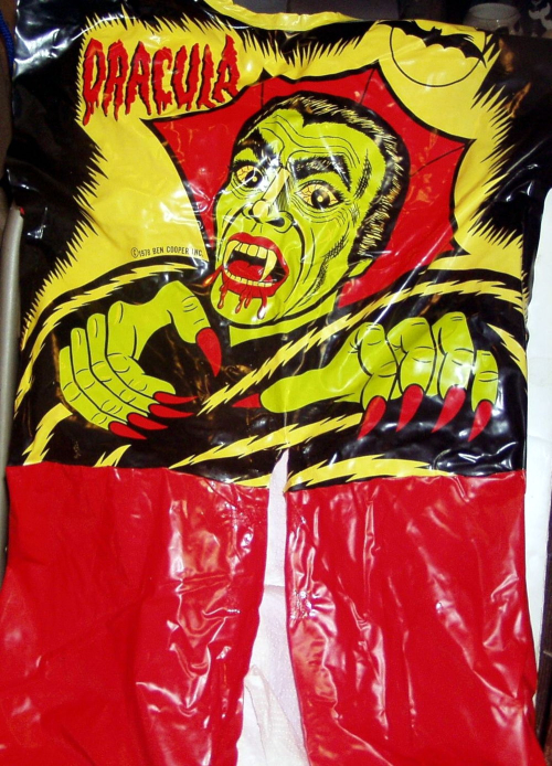 Dracula costume museumoftheodd 4