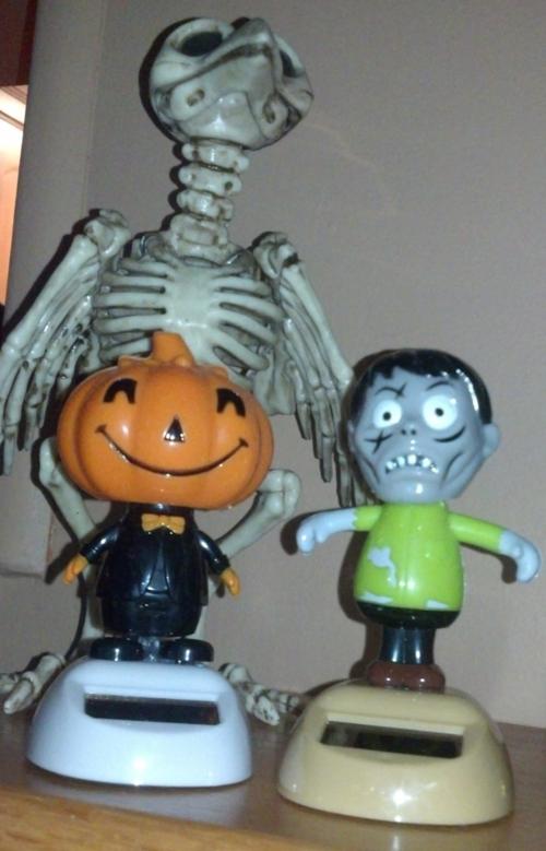 Pumpkin-zombie-solar-nodders