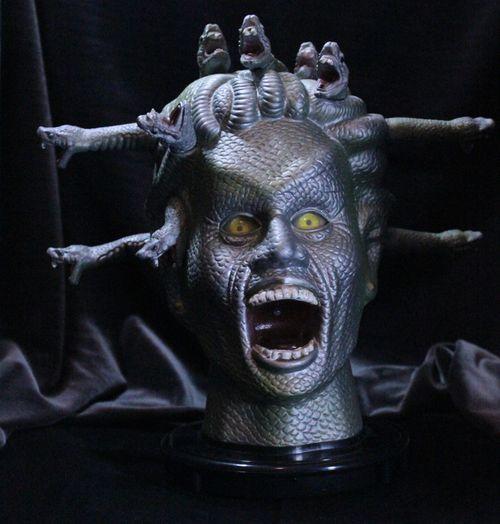 medusa's animated head for halloweeen