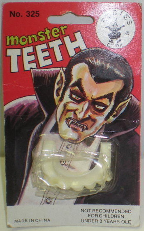 halloween Monster dracula teeth