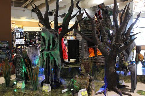 Spirit halloween 2015 store display