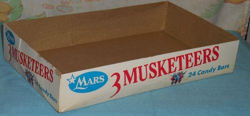 3 muskateers halloween candy box 5