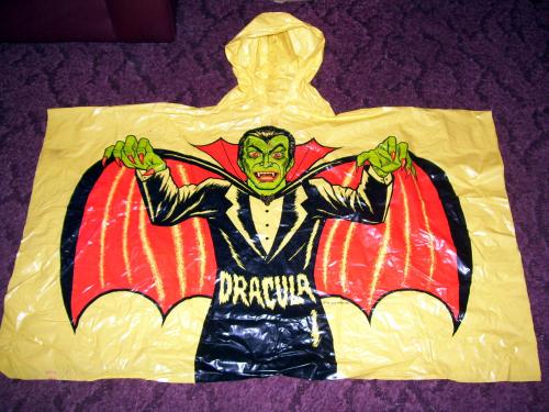 Dracula poncho 1 ben cooper 1977 thissales4u