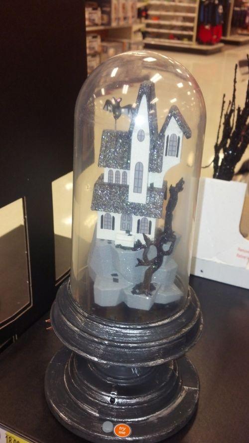 Haunted-house-globe