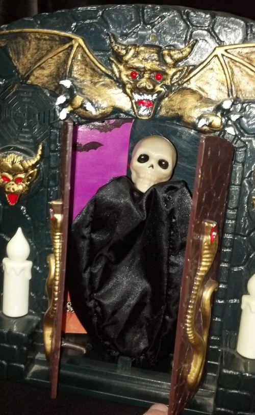 halloween animated spookhouse novelty