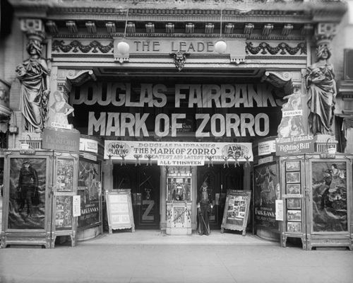 leader-theater-mark-of-zorro