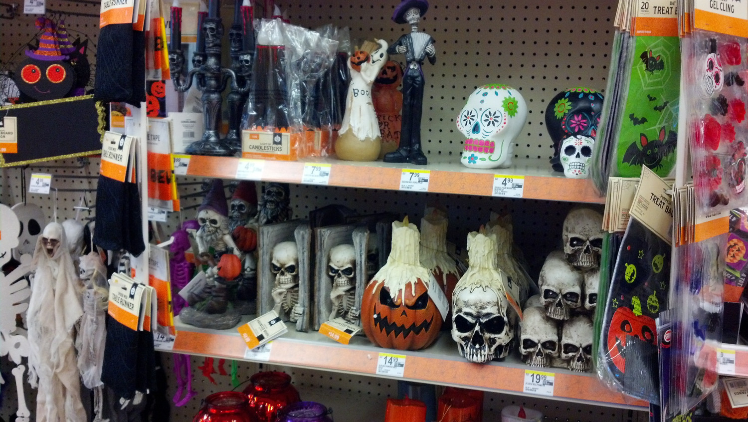 Walgreens Halloween Decorations 2020 Halloween 2015 Sighted: Walgreens (From Zombos' Closet)
