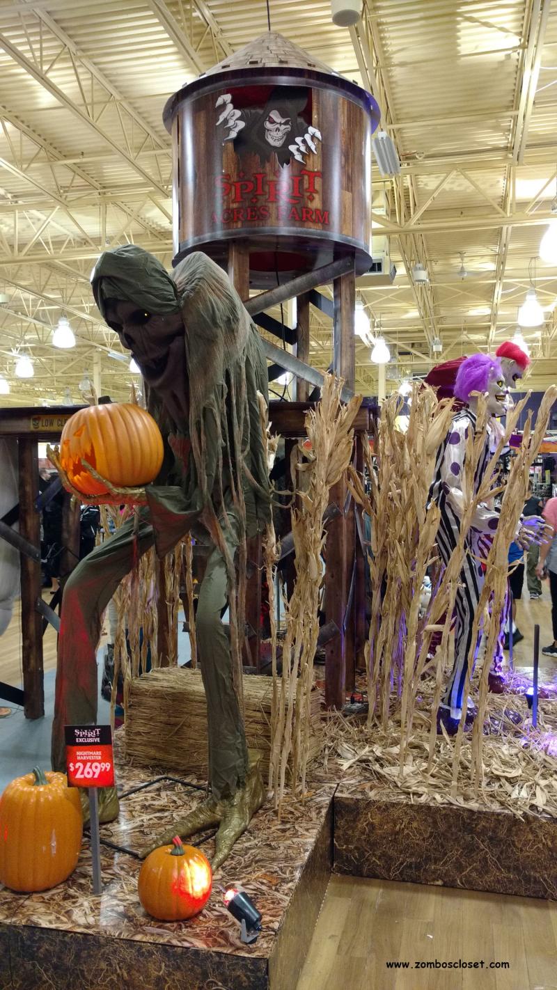 Spirit Halloween 03
